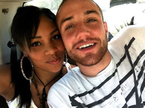 black woman and white men what should be known free webinar how to get hot white guys to ask you out