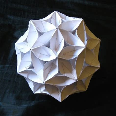 Buckyball Origami - according to goldennumber net