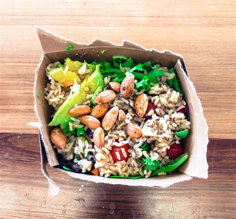 What To Put On A Salad Whole Foods Detox by How To Beat The Whole Foods Salad Barkale Cigarettes