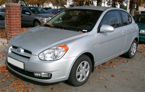 file 3rd hyundai accent jpg wikimedia commons file hyundai accent front 20071004 jpg wikimedia commons