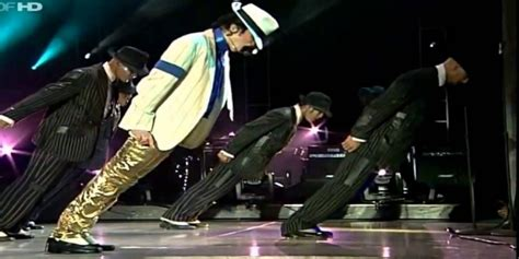 Sepatu Jackson terkuak rahasia sepatu anti gravitasi michael jackson