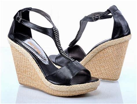 Elegan Sepatu Wedges El78 Putih sepatu wedges