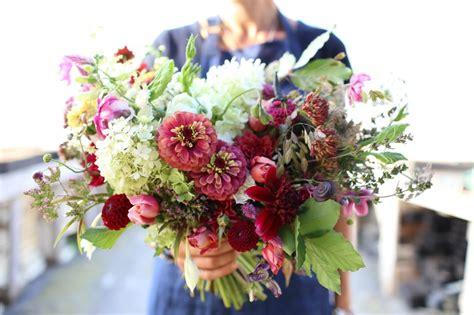 hele mooi bloemen een rondje door de tuin het hele jaar door woontrendz