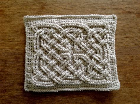 Knots Knitting On The Square - suvi s crochet book of kells celtic square knot