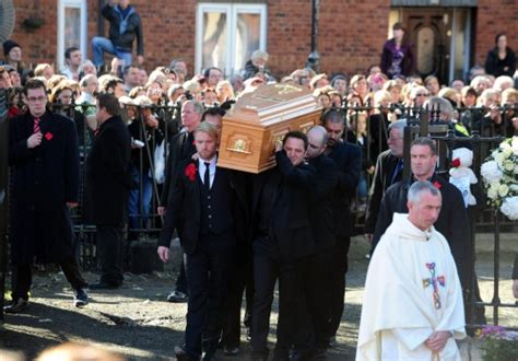 boyzone stephen gately cremated in dublin novinite