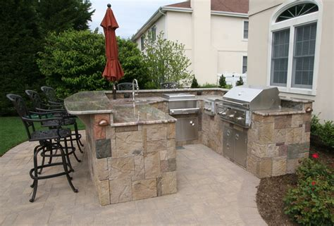 custom built outdoor kitchens 2010 big u shape kitchen with curve