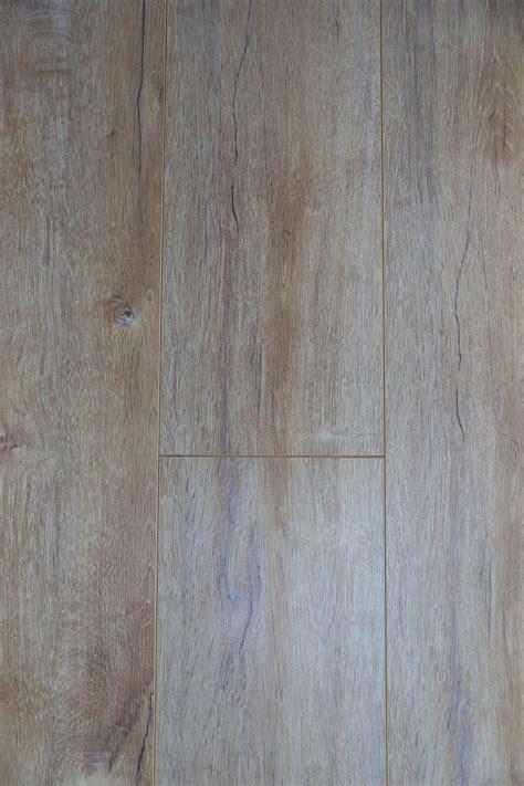 Swish Long Board Oak Verona Laminate Flooring 2200mm x