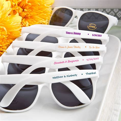Wedding Favors Sunglasses by Personalized Sunglasses Favors For Weddings Or Events