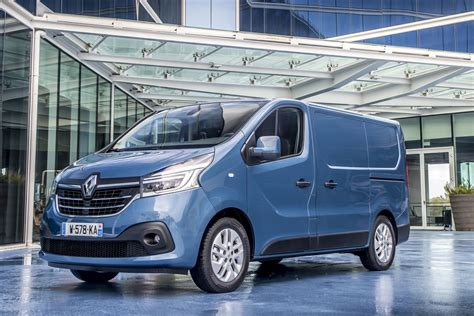2019 renault trafic renault trafic review 2019 parkers