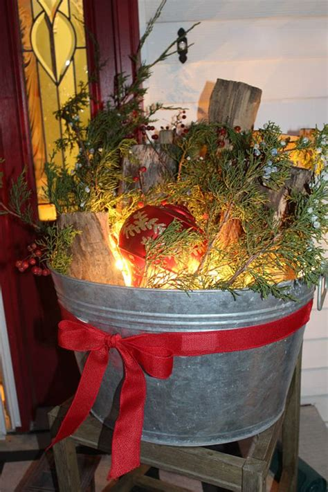 easy homemade outdoor christmas decorations 50 fabulous outdoor decorations for a winter