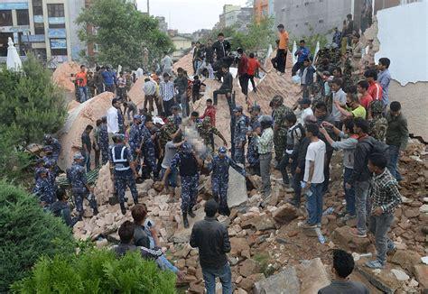imagenes impactantes del terremoto de nepal los videos m 225 s impresionantes del terremoto en nepal