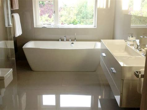 free standing bath tubs to complement contemporary