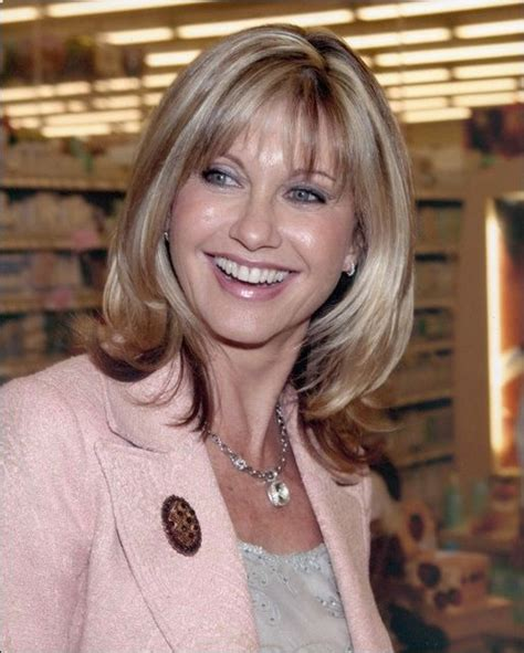 olivia newton john hairstyles pictures olivia newton john i love this picture of her she is a