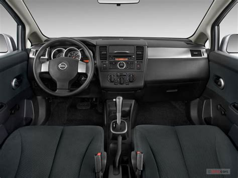 2011 nissan versa interior 2011 nissan versa pictures dashboard u s news world