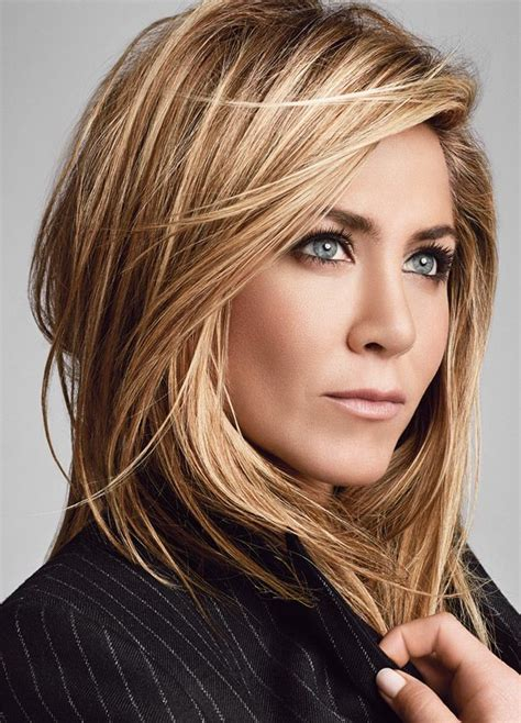 jennifer aniston hair color formula jennifer aniston s hair shines in living proof ad
