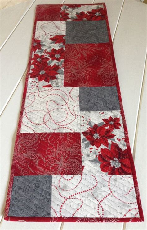 Patchwork Sler - reversible quilted table runner in by