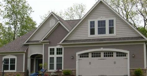 vinyl siding colors on pinterest vinyl shake siding vinyl exterior house color schemes cedar shake vinyl