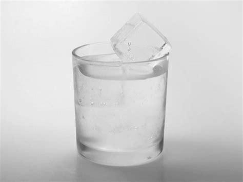 room temperature water vs cold water science this is why water can freeze faster than cold water serious eats