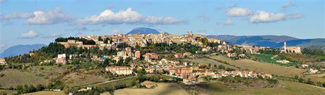 marche camerino file camerino panorama2 1 jpg wikimedia commons