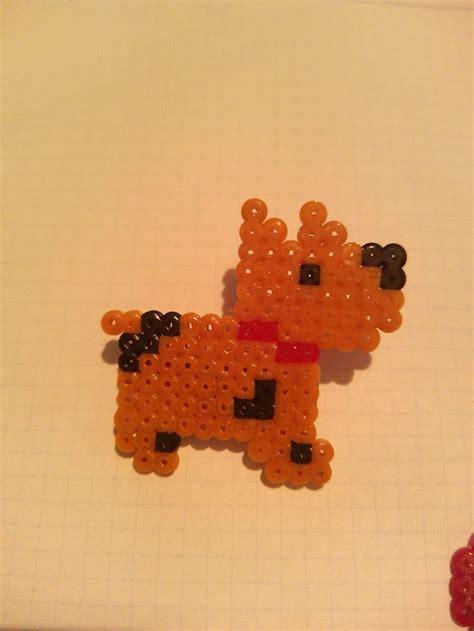 bead by bead broche perro hama mini hama