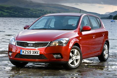 Kia Ceed Automatic Review Kia Cee D Hatchback Review 2007 2011 Auto Express