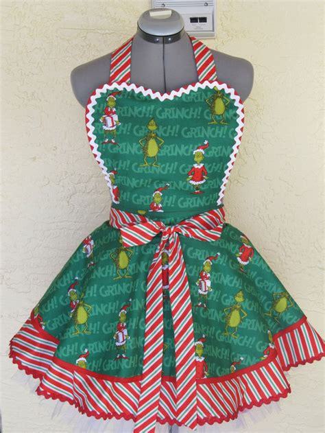 christmas tree apron pattern 19 best images about aprons on pinterest snowman