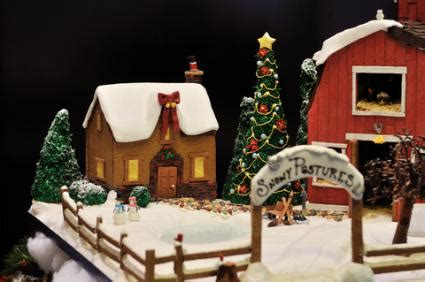 Themes For Decorating Christmas Trees - decorating ideas for gingerbread houses lovetoknow