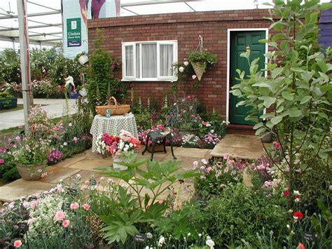Perfumed Garden by Garden Supplies International Design Awards Page 6