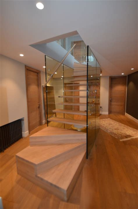 siller treppen treppe mit glaswand modern treppenhaus