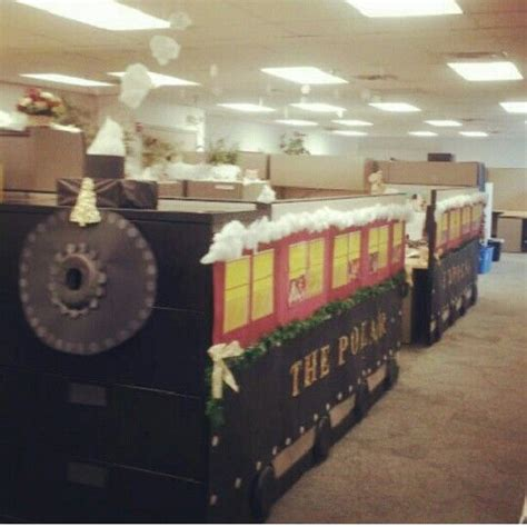 polar express decorating theme pola r express cubicle created by an accounts receivable department for cubicle