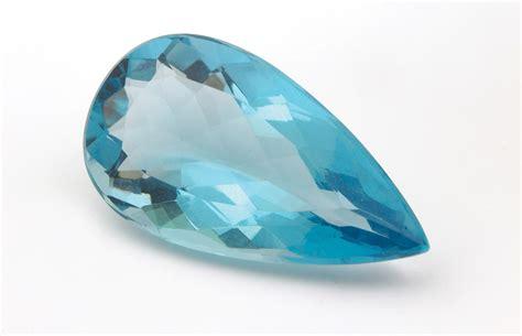 Kalung Aquamarine berlian 12 batu permata menurut bulan kelahiran