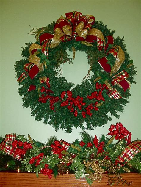 wreath above fireplace designs