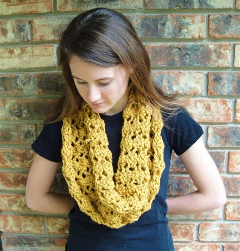 holey knitting stitches holy cowl crafts cowl scarf and knitting
