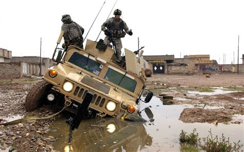 military hummer wallpaper hummer h1 military surplus wallpaper 2560x1600 12104