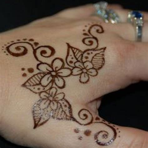 simple henna tattoos easy henna tattoos design