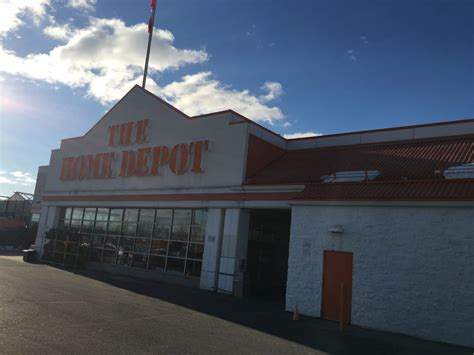 the home depot opening hours 1616 cyrville rd