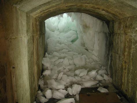 tunnel  niagara falls cool tunnel     flickr