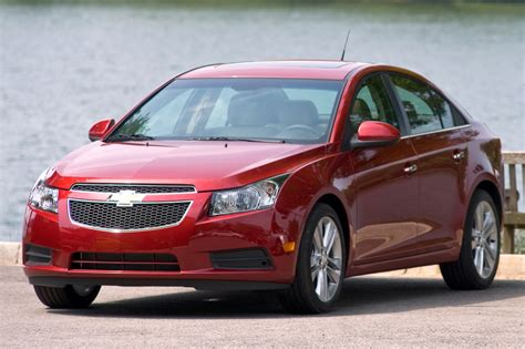 2013 chevrolet cruze pros cons invoice pricing auto broker magic used 2013 chevrolet cruze for sale pricing features