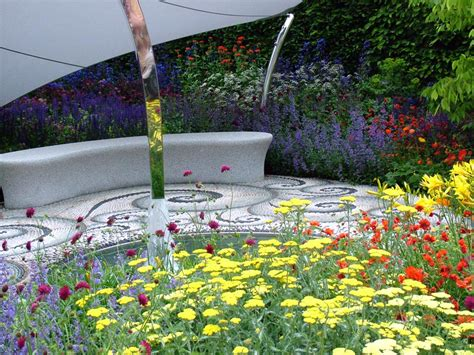 flower garden bench chelsea flowers on show 7