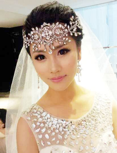 hair jewelry for a wedding bride white crystal frontlet bride hair accessories
