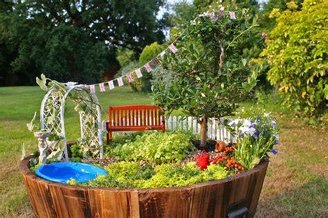 ガーデンdiyで小人の庭を作ろう 心ときめく魅惑のプランター内ガーデン7選 iemo イエモ
