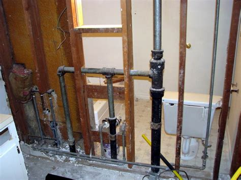 bathroom plumbing venting can i combine vent pipes all to one in this configuration