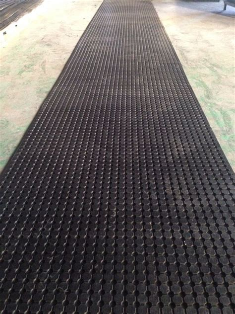 perforated anti slip rubber ute mat with made in