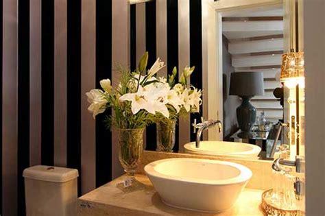 como decorar banheiro flores artificiais decorar banheiro flores liusn obtenha uma imagem