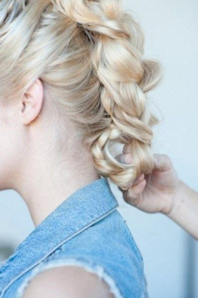 hairstyles using banana clips hair how to banana clip braided faux hawk so pretty