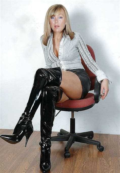 Pin by Cadau Rafaele on Mature women ages beauty   Pinterest   Legs and Woman