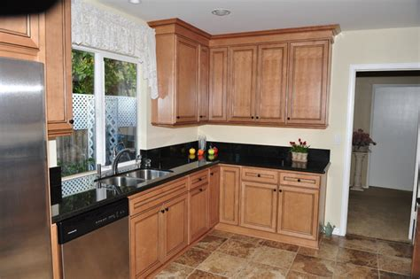 Kitchen Cabinets Ventura County by Homecrest Eastport Maple Traditional