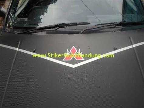 Cutting Sticker Mobil Nat Geo Stiker Kaca 30 Cm National portofolio stiker mobil bandung