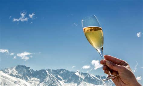 in montagna per capodanno capodanno in montagna 7 mete in italia e in europa leitv