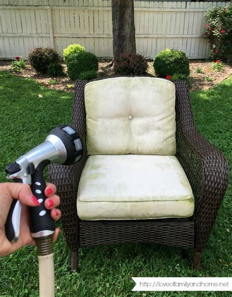Remove Mildew From Patio Cushions by How To Remove Mildew Stains From Outdoor Cushions